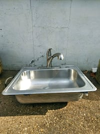 Stainless Steel Kitchen Sink with Faucet Pasadena, 21122