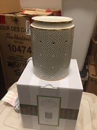 Scentsy house warmer with box Toronto, M1K 4E3