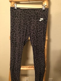 Size large Nike workout leggings Harker Heights, 76548