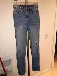 Urban outfitters size 24 W Mom High Rise Vancouver, V5N 1V2