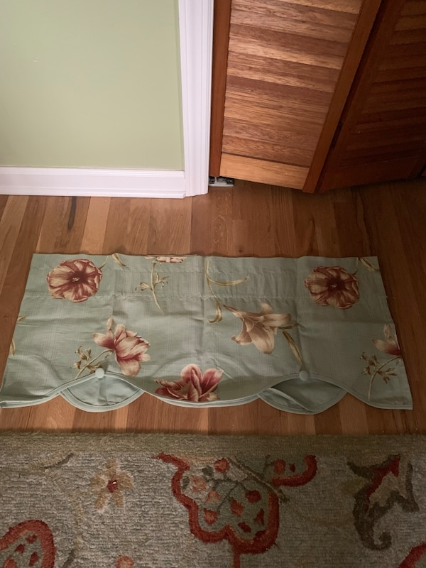 Used Curtain 72 L X 15 W For Sale In Port St Lucie Letgo