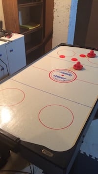 White, black, and red Cooper air hockey table Richmond Hill, L4C 0J6