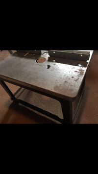 Router table Toronto, M6E 1Y2