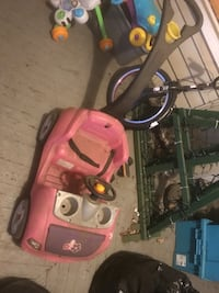 Pushing pink car Roanoke, 24016