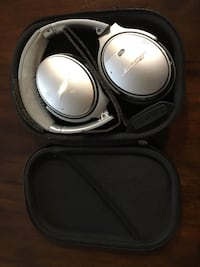 black and gray Bose headphones Alexandria, 22309