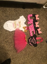 baby's assorted-color onesie lot Taylors, 29687