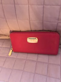 Mk authentic hot pink wallet  Mississauga, L5N 2R8