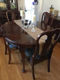 Dining room set made by Pennsylvania House