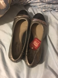 pair of brown leather flats West Warwick, 02893