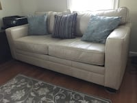 Haverty's Leather Sleeper Sofa 27 km