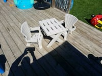 Cream  plastic kids patio set Barrie, L4N 1S7