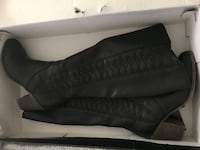 Black leather boot size 7 Allentown, 18102