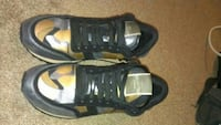 Authentic Valentino rock stud running shoes Vancouver, V5S 3V5