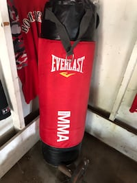 Everlast mma c3 foam 100 lb bag $40 retails for 150 569 mi