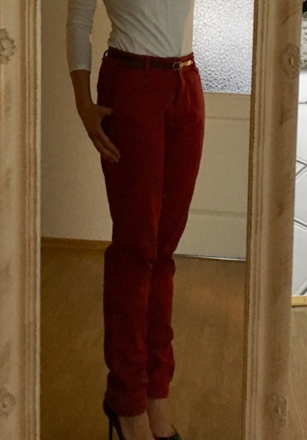 Business-Hose in rot