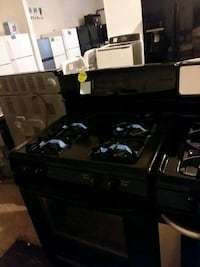 Kenmore stove gas excellent condition 4months warranty  Arbutus, 21227