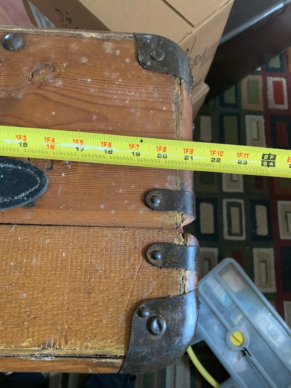 Vintage Wooden Trunk with new accessories incl. d673c866-f802-4335-9bae-61002f3b215f