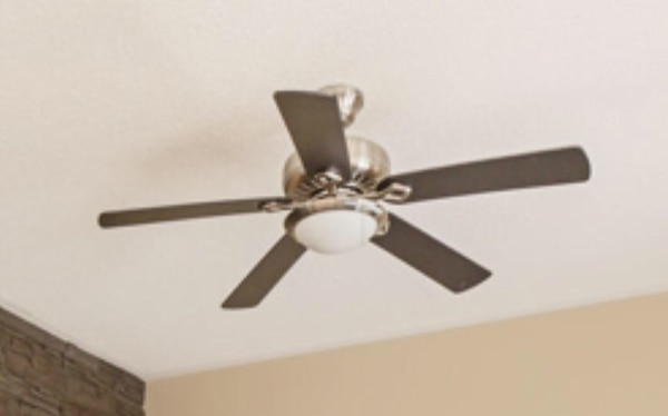 Ceiling fan with light and remote control