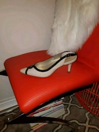 9.5 pair of red leather pumps Brampton, L7A 0K8