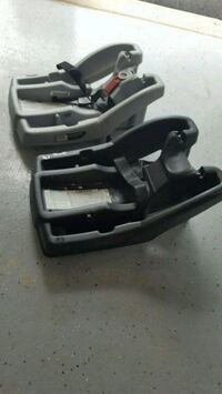 2 Graco Click Onnect car seat bases