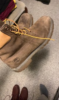 Size 12 brown beat up timbs