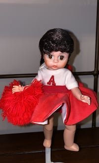 Madam Alexander cheerleader doll Chantilly, 20152