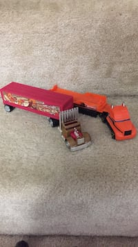 Two red and orange 10th-wheeler truck toys Damascus, 20872