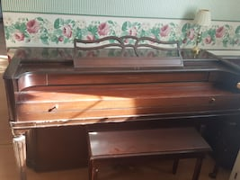 Acrosonic piano and bench with storage