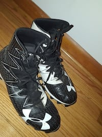 Black under armour size 11 football cleats