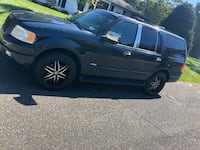2003 Ford Expedition XLT 4x4 Premium 5.4L Calverton