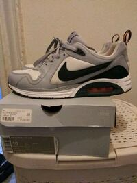 pair of white Nike Air Max shoes with box Bronx, 10456