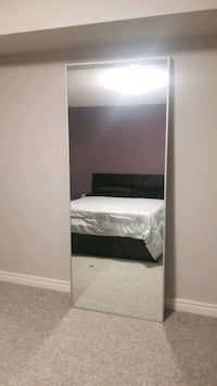 Stand up mirror like new perfect condition  Newmarket, L3X 1M8