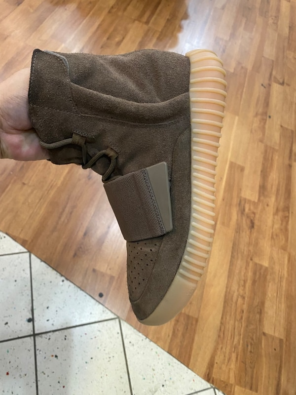 Chocolate Yeezy boost 750 size 9.5 1