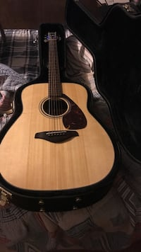 brown and black acoustic guitar Bossier City, 71112