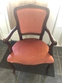 Accent chair Whitchurch-Stouffville, L4A 0A6