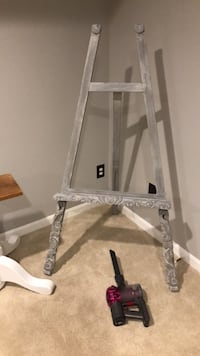 Paint Easel Great Falls, 22066