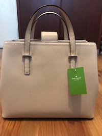 Brand new Kate spade bag authentic  3120 km