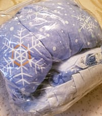 Snowflake Q bed in a bag: comforter,  shams,  bed skirt, & sheet set Omaha, 68122