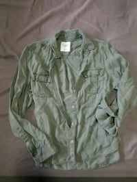American Eagle green button-up long-sleeved shirt Calgary, T2V 3B5