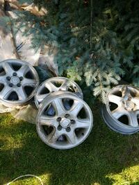 gray 5-spoke car wheel set Edmonton, T5T 5K3