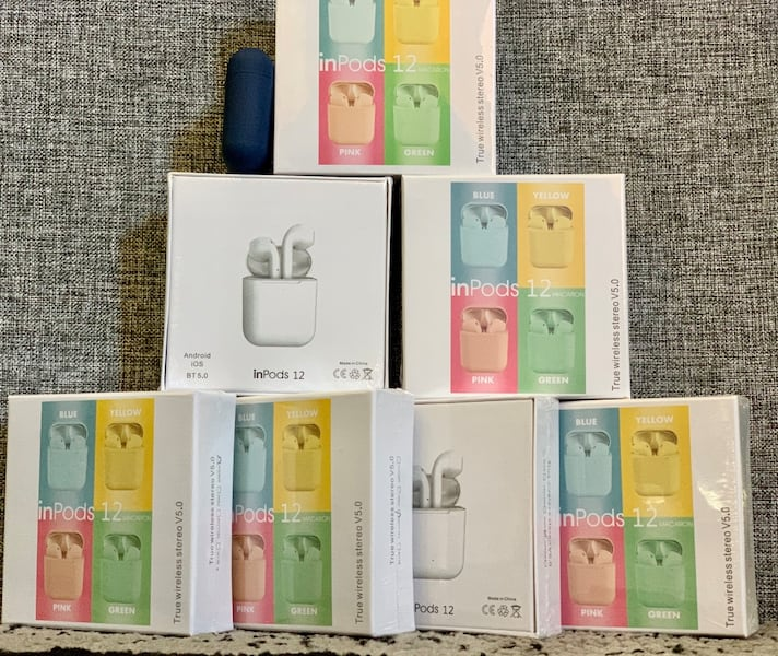 Airpods with touch command NEW!!! e7aac0a4-5521-44cd-ab40-c5342ec3b447