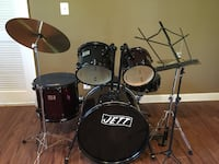black and white drum set Oakton, 22124