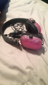 Pink-diamond headphones  Medicine Hat, T1A 3R8