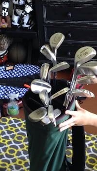 Green and silver golf set