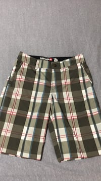 QuikSilver shorts for in and out of water. Surrey, V3R