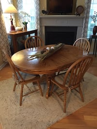 Solid Oak Table and Chairs Wake Forest, 27587