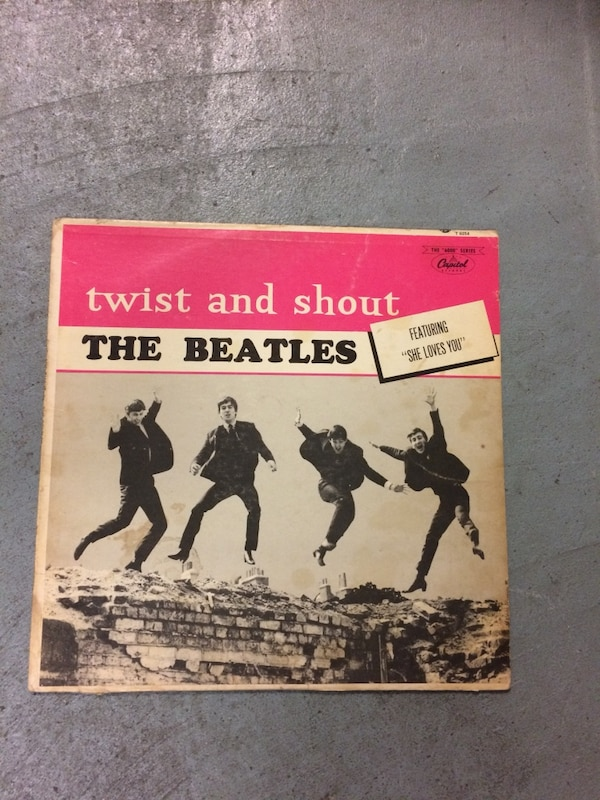 Beatles - Twist and Shout Album SCRATCHED 682c5023-1e2f-4b45-96d0-cad14fb485f7