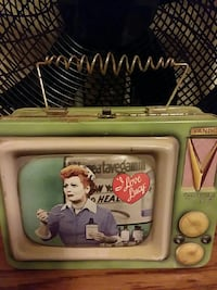 white and green metal CRT television case Moundsville, 26041