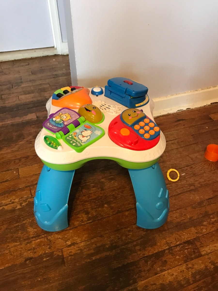 Used Fisher price activity table in New York