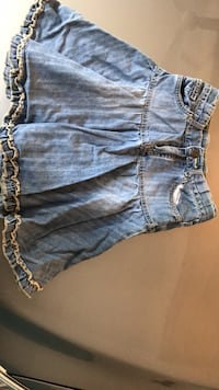 Girls size 6 denim skirt Winnipeg, R2K 2K5